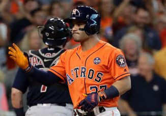 The player that helped Altuve to get the contract he wanted